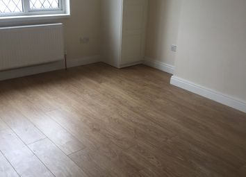 Thumbnail 3 bed flat to rent in Streatham Road, Mitcham