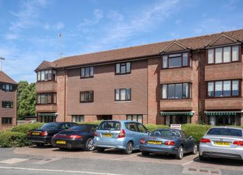 Thumbnail 2 bed flat for sale in Broadwater, Berkhamsted