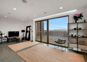 143 Mare Street, London E8. 3 bed flat for sale