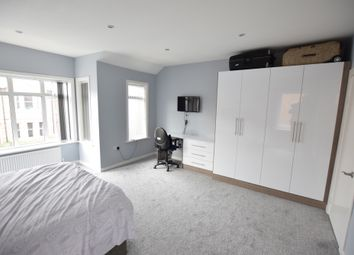Thumbnail 1 bed flat to rent in Melrose Avenue, Reading