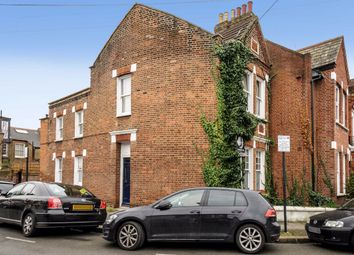Thumbnail 2 bed flat to rent in Cargill Road, London