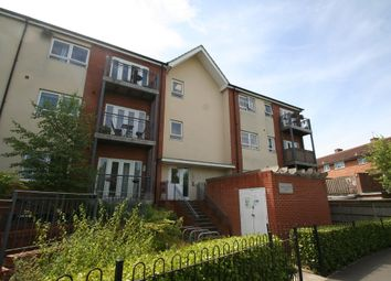 Thumbnail 1 bedroom flat to rent in Desborough Crescent, Oxford