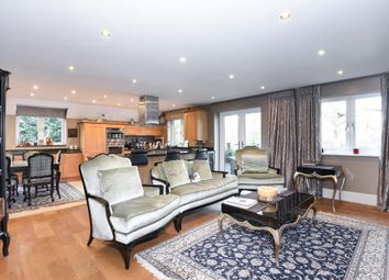 Thumbnail 2 bedroom flat for sale in Wokingham, Berkshire