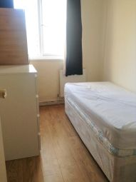 Thumbnail Room to rent in Market Square, Crisp Street, Poplar, London