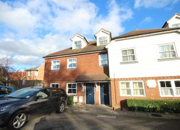 Thumbnail 1 bed detached house to rent in Hempstead Road, Uckfield