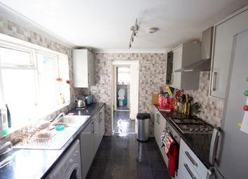 5 bed terraced house to rent in Michael Road, London E11