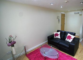 Thumbnail 1 bed flat to rent in Flat 2, 65 Woodsley Road, Hyde Park