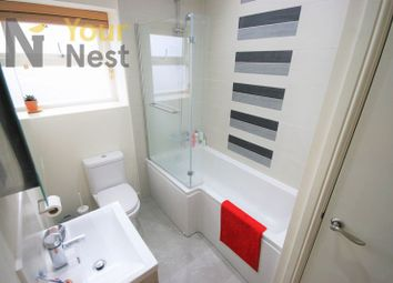 Thumbnail 2 bed flat to rent in Flat 1, Park View, Headingley.