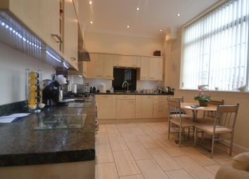 Thumbnail 2 bed flat to rent in Great Russell Street, Northampton