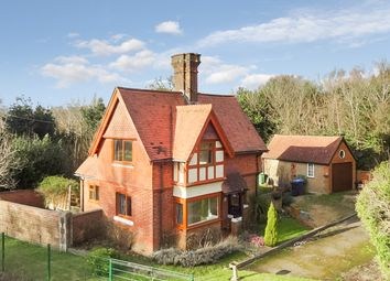 Thumbnail 3 bed detached house to rent in Bletchingley Road, Merstham, Redhill