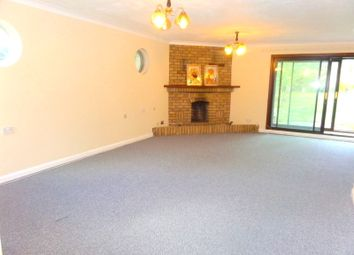 Thumbnail 4 bed bungalow to rent in Riching Way, Iver
