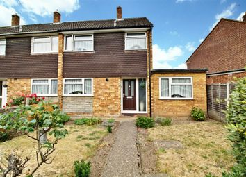 3 bed property for sale in Rowlands Close, Cheshunt, Waltham Cross EN8