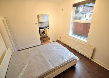 1 bed flat to rent in Highshore Road, London SE15