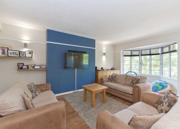 3 bed flat for sale in The Chilterns, Brighton Road, Sutton SM2