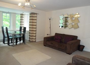 2 bed flat to let in Boste Crescent