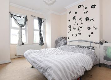 Thumbnail 1 bed flat to rent in Kynaston Road, Thornton Heath