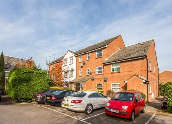 Thumbnail 1 bed flat to rent in Queens Road, Slough, Berkshire