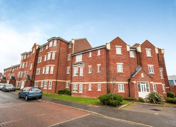 Thumbnail 2 bed flat to rent in Watling Gardens, Dunstable