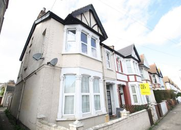 Thumbnail 2 bedroom flat to rent in Hainault Avenue, Westcliff-On-Sea