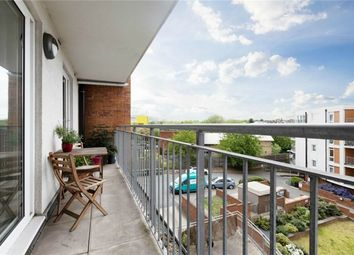 Thumbnail 2 bed flat for sale in Witcomb Lodge, East Finchley