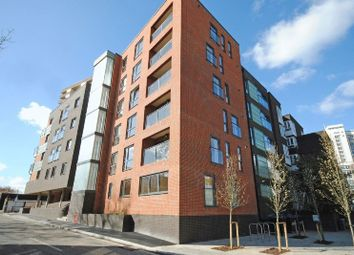 Thumbnail 3 bed flat to rent in Melbway House, Meadow Street, Elephant And Castle