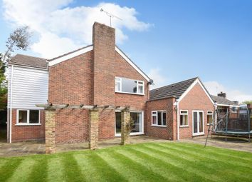 Thumbnail 4 bed detached house to rent in Townfield, Rickmansworth
