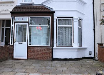3 bed property for sale in Hampton Road, Ilford IG1