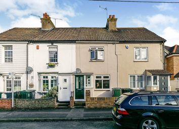 Thumbnail 2 bed property to rent in Essex Road, Longfield