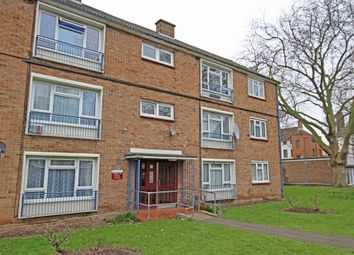 Thumbnail 2 bedroom flat to rent in Brading Crescent, Wanstead