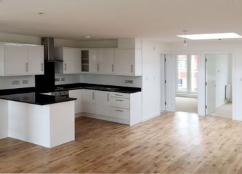 Thumbnail 2 bed flat to rent in Broadway, Bexleyheath, London