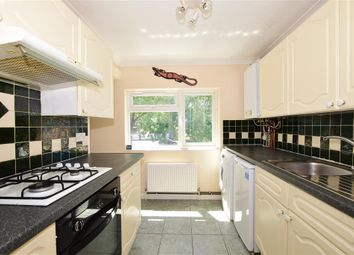 Thumbnail 2 bed flat for sale in Roodegate, Basildon, Essex