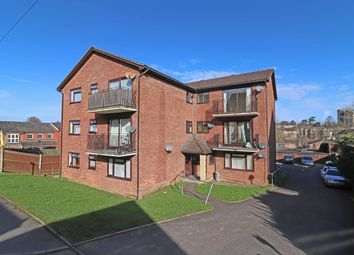 1 bed flat to rent in Oakdene Road, Redhill RH1