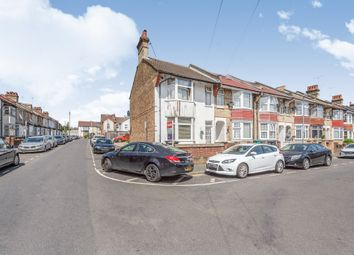 2 bed maisonette for sale in Westbury Road, Watford WD18