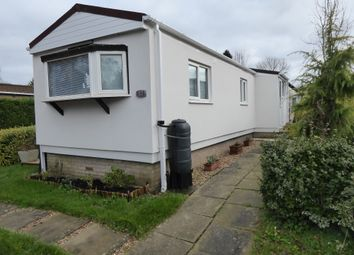 Roof Of The World, Boxhill Road, Boxhill, Nr Dorking, Surrey KT20. 1 bed mobile/park home