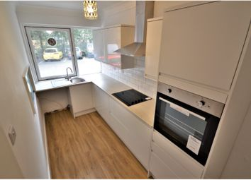 Thumbnail 2 bed flat to rent in Bassett Avenue, Southampton