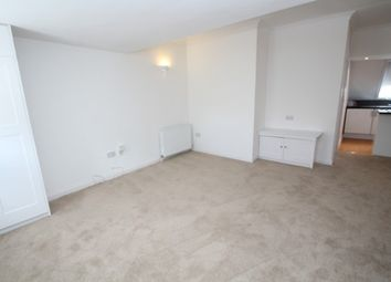 Thumbnail 1 bed flat to rent in Waddon Road, Croydon