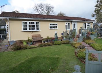 Thumbnail 2 bed mobile/park home for sale in Beech Park, Chesham Road, Wigginton, Nr Tring, Hertfordshire