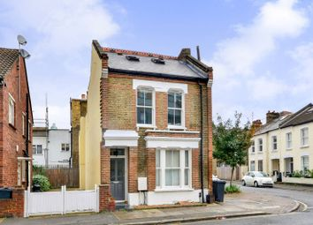 Thumbnail 1 bed flat to rent in Thorparch Road, Vauxhall