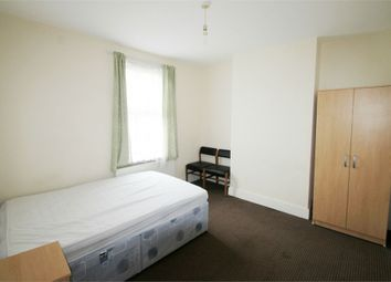 Thumbnail Room to rent in Dover Street, Reading