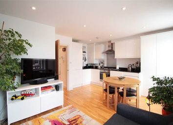Thumbnail 2 bed flat to rent in Santley Street, London