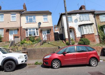 3 bed property to rent in Farley Hill, Luton LU1