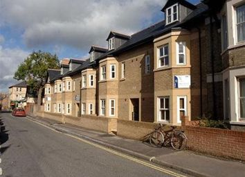 Thumbnail 3 bedroom flat to rent in Jeune Street, Oxford