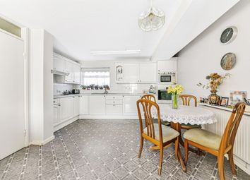3 bed flat for sale in Layton Road, Brentford TW8