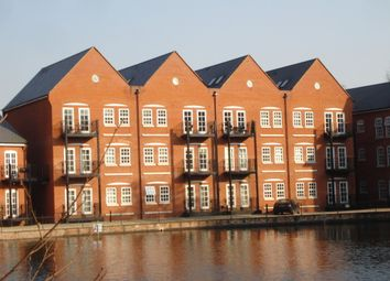 Thumbnail 3 bed flat to rent in Waterside Lane, Colchester