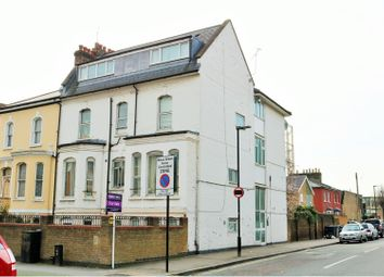 2 bed flat for sale in Mayes Road, Wood Green N22