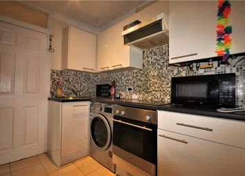 Thumbnail 2 bed flat to rent in Pendlebury, Bracknell, Berkshire