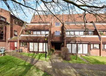 Thumbnail 2 bedroom flat for sale in Bailey Close, Maidenhead