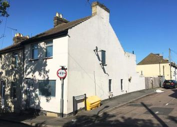 Thumbnail 3 bedroom end terrace house for sale in 11 Chalkpit Hill, Chatham, Kent
