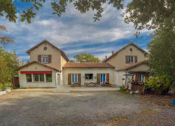 Thumbnail Pub/bar for sale in Monbalen, Lot-Et-Garonne, France