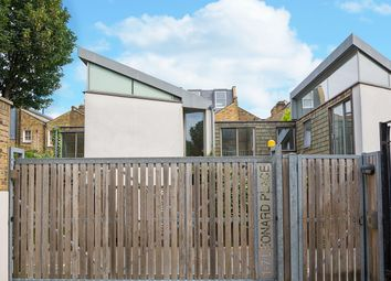 1 bed maisonette for sale in Leonard Place, London N16